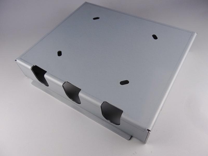 金型自動交換装置付の最新ベンダーでスピード加工