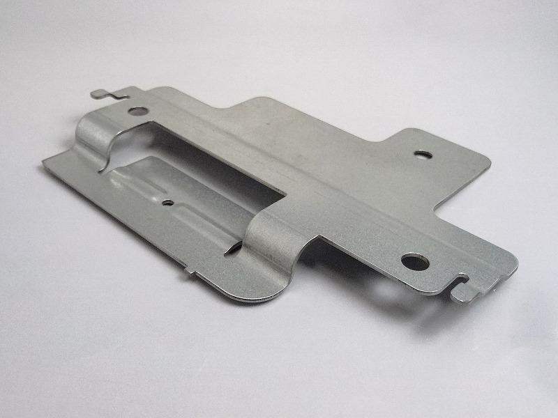 標準型のリメイク、型の社内製作で高精度スピード対応