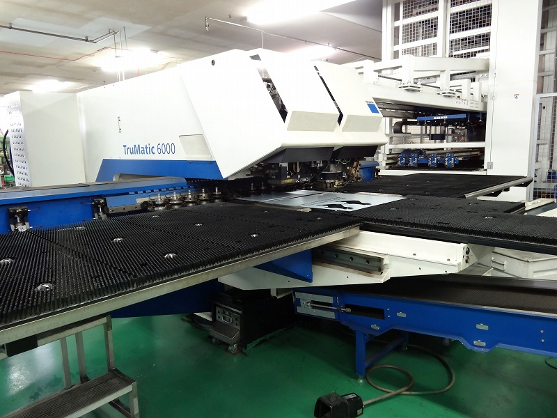 レーザーパンチ複合加工機
