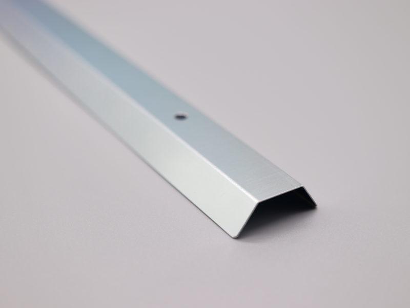 高反射材に特殊な表面処理が施された材料の加工