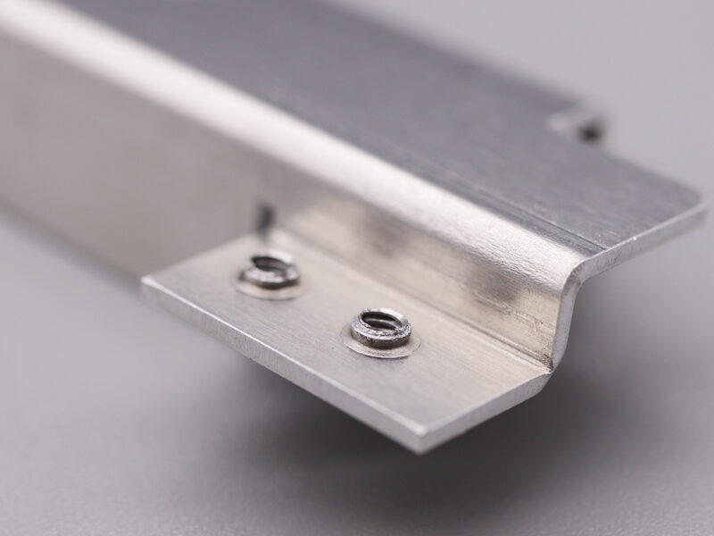 t1.0のアルミにM2の小径バーリングタップ加工